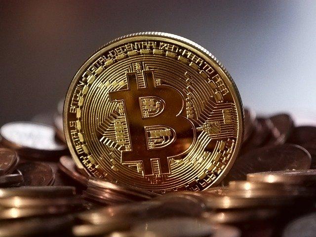 【比特日报】比特币直冲6.1万美元 Coinbase上市点燃投资者热情 纽交所加入NFT狂欢