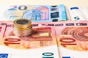 欧元触及三月以来高点 高盛、瑞信纷纷上调预期,预计欧洲央行不会改变立场